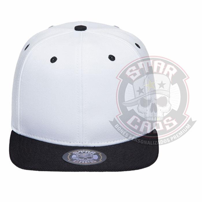 f6096974d98c2 Boné Aba Reta SnapBack Branco  Aba Preta Star Caps